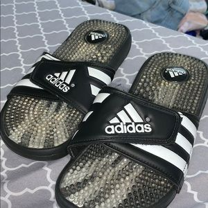 Adidas Adissage Slides- Mens Size 5- Womens 7